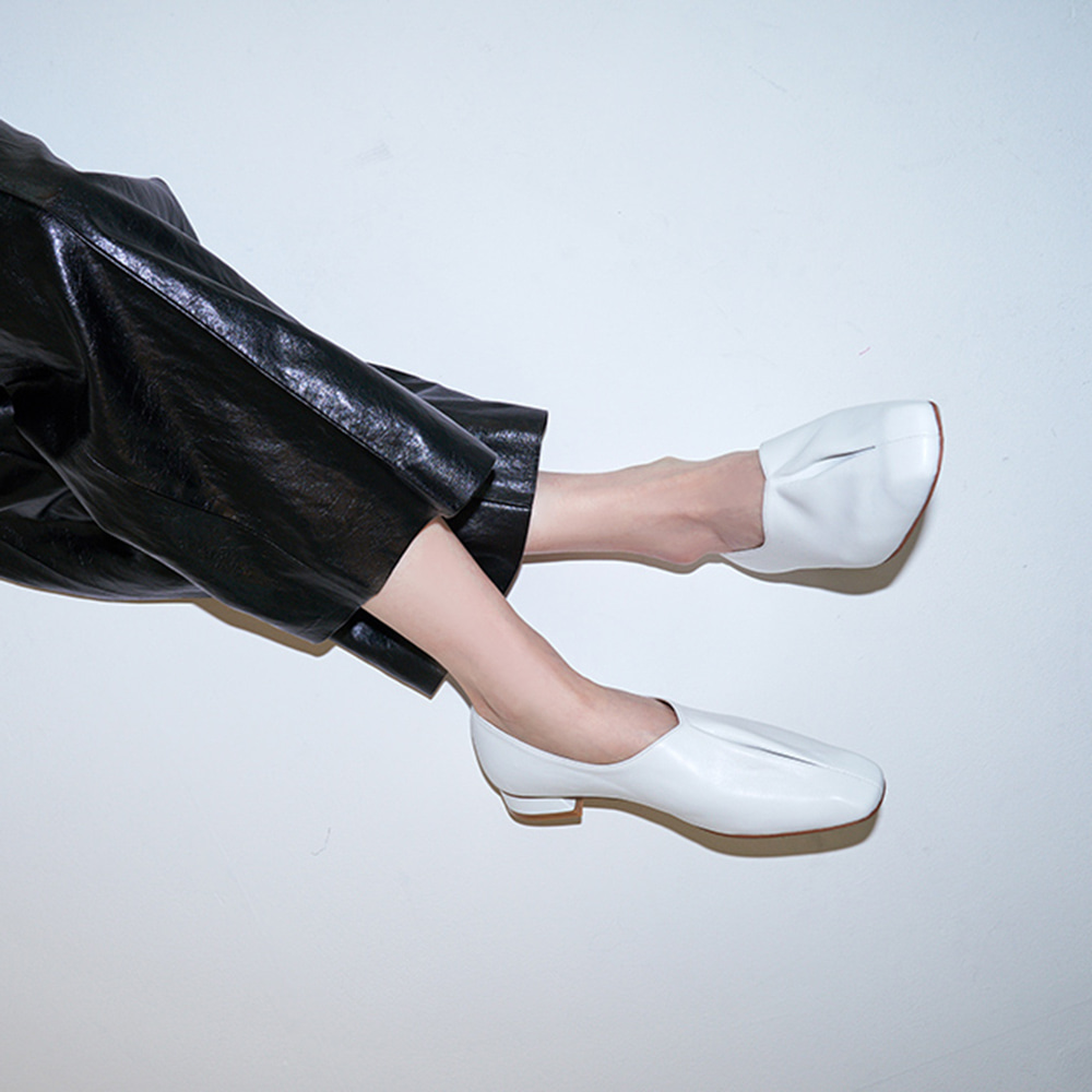 Crack flat shoes_White
