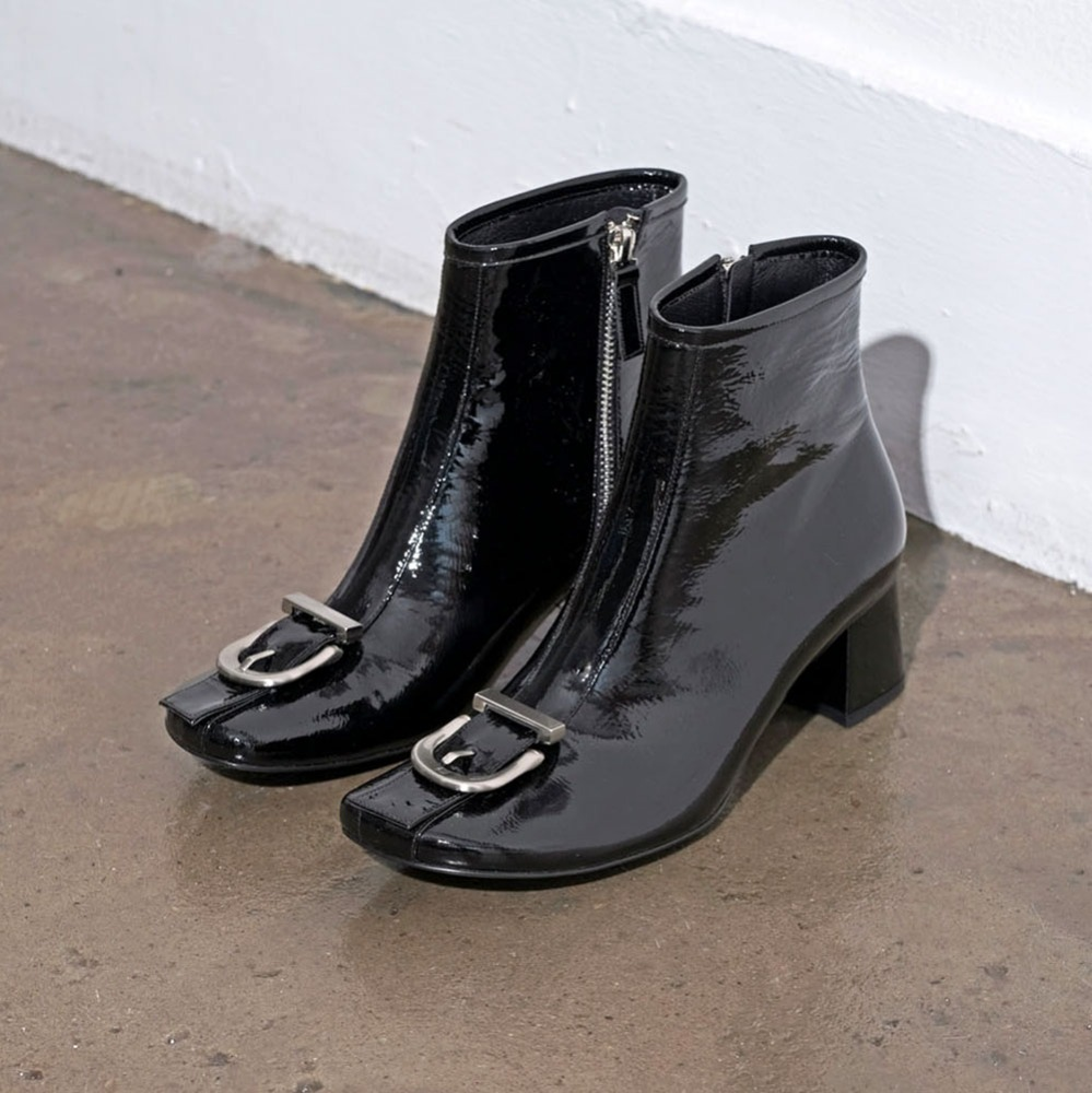 Buckle pointed ankle boots