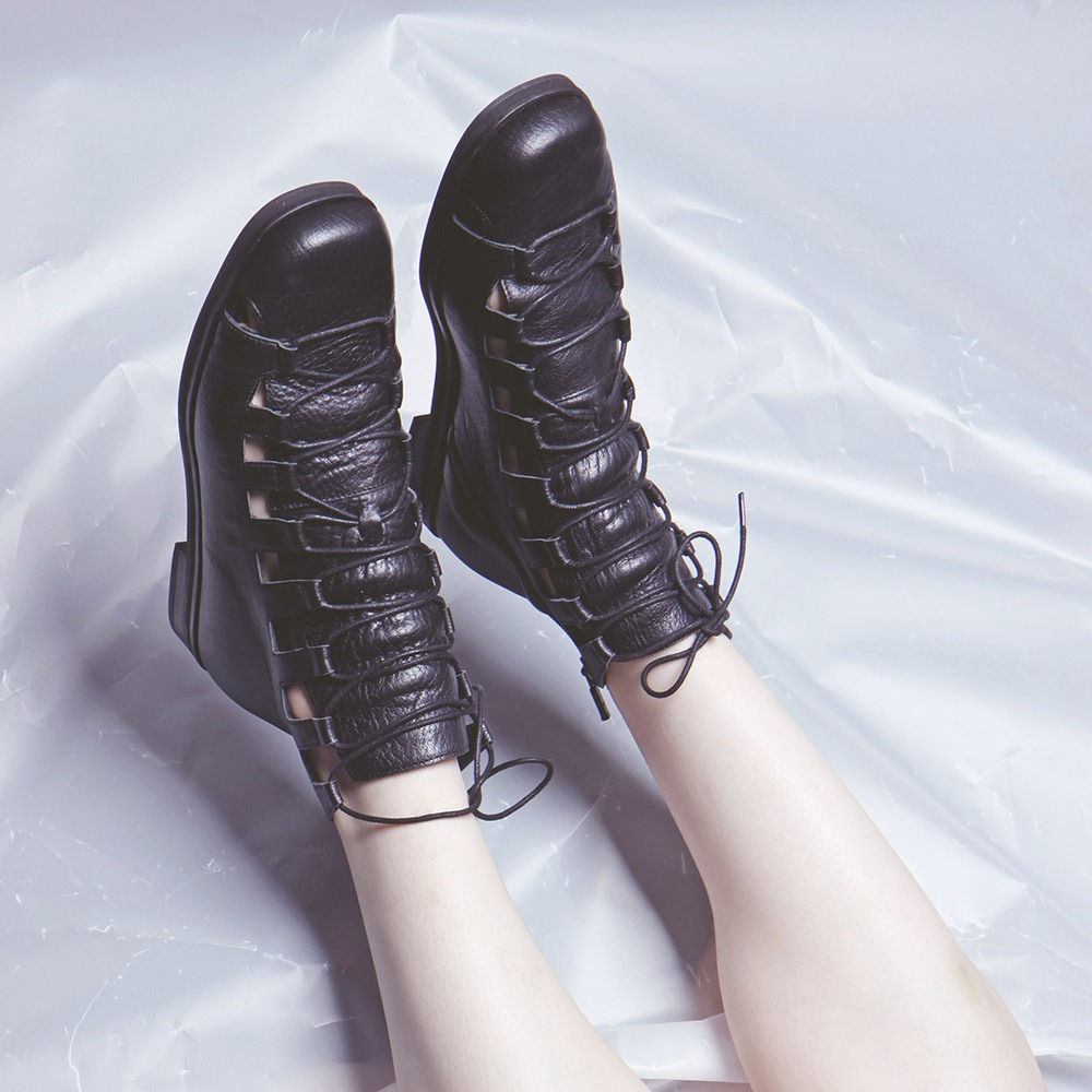 Lace up shoes (Black)
