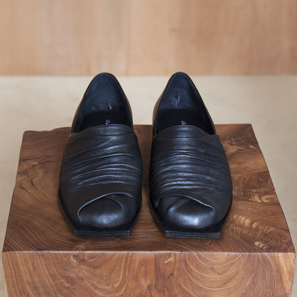 Natural pleated shoes_Black